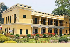 Tagore's Shahzadpur mansion thrives, revenue office in ruins
