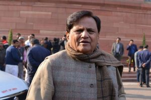 Railways inept in handling migrant crisis, call Army: Congress