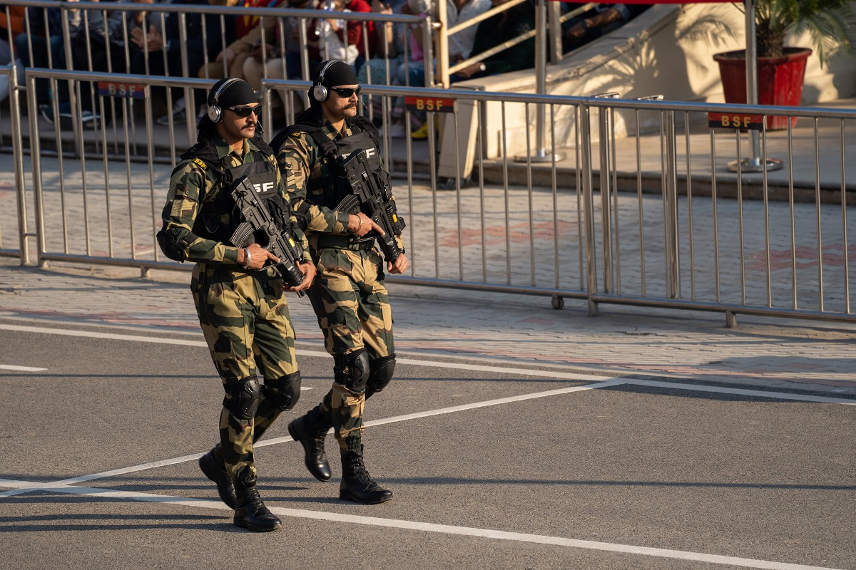 Paramilitary canteens