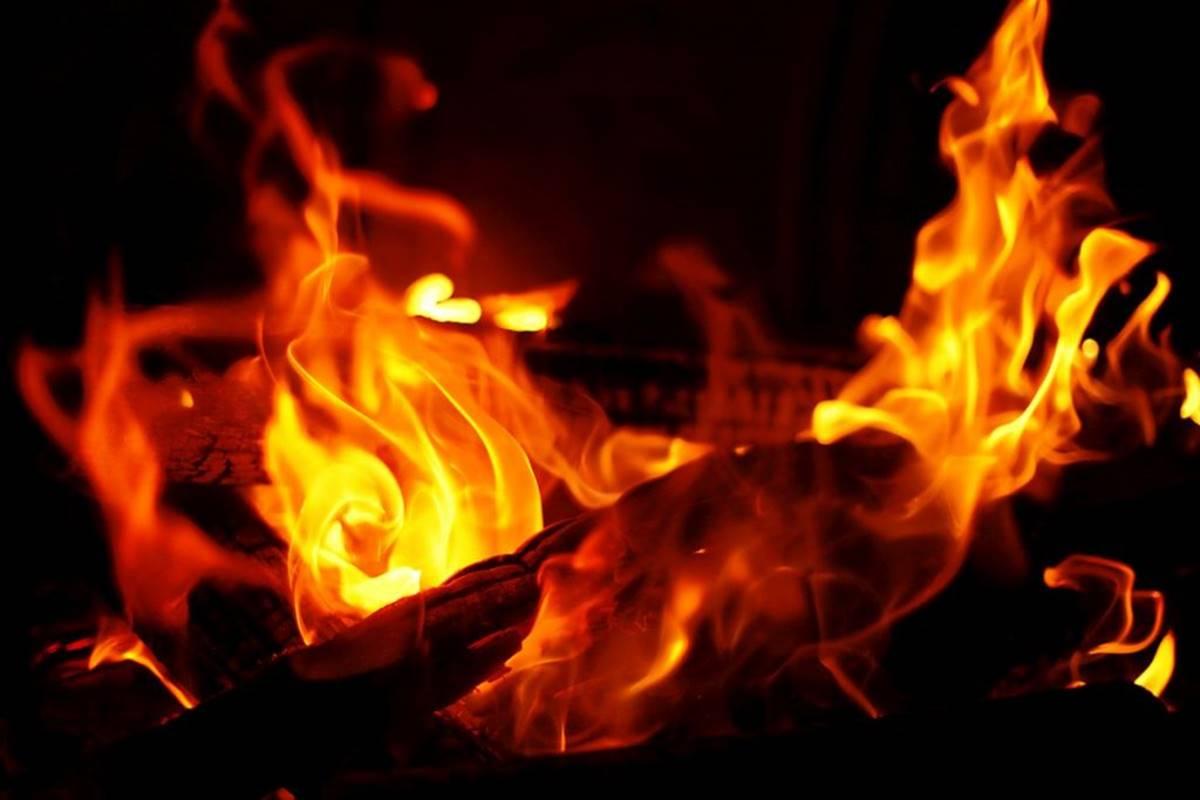 40 houses burnt