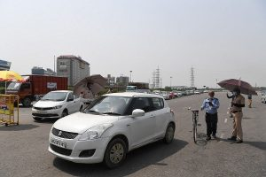 Strict curbs on travel leaves many stuck on Gurugram-Delhi border