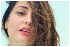 Hina Khan misses beach vibes, says she 'needs her licence to chill'