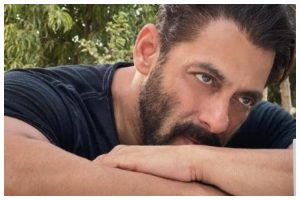 Salman Khan & family in isolation as staff test Covid positive: Reports