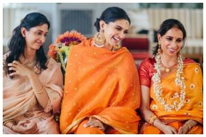 Deepika Padukone shares throwback picture with 'amma' from her pre-wedding puja