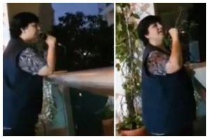 Watch | Falguni Pathak entertains neighbours from balcony amid Coronavirus lockdown