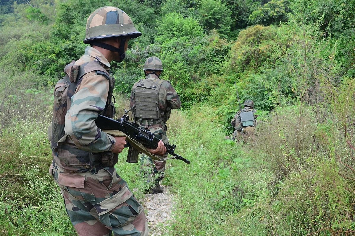 J&K: Five militants killed in encounter with security forces in Shopian