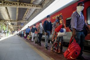Surat police detains Congress leaders for flagging off train for migrant workers