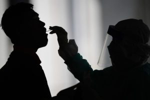 UK epidemiologist advisor on lockdown steps down after violating rules