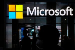 Microsoft to close physical stores, focus on online