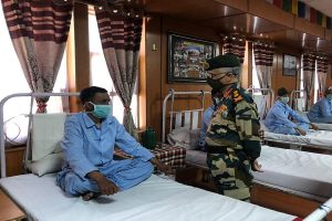 Army chief in Ladakh to review situation along LAC, progress in talks with Chinese military