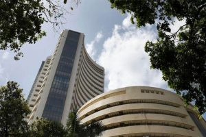 Indices extends gains to 6th day, Sensex up 284 points and Nifty regains 10,000 mark