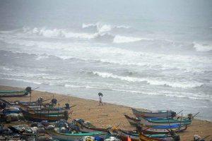 Cyclone Nisarga: Pandemic-hit Mumbai on red alert; heavy rains, 100 kmph winds expected tomorrow