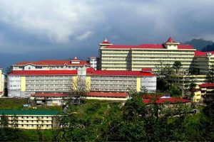 IGMC sealed, 73 medicos quarantined after accidental death of COVID positive