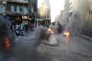 20 injured after clashes erupt between anti- govt protesters and army in Lebanon