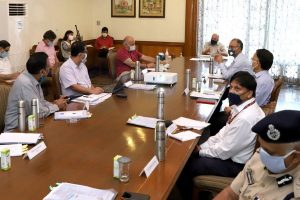 Central officials say 'no community spread' of COVID-19 in Delhi; AAP govt expects 5.5 lakh cases by July 31