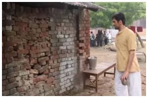 Gulabo Sitabo: When Ayushmann Khurrana finally broke Amitabh Bachchan's 'Deewar'; watch now