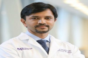 Indian-origin doctor in US performs first lung transplant in country for Coronavirus patient