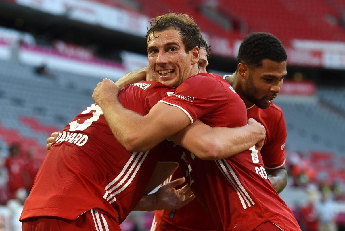 Bayern Munich, Borussia Dortmund score last minute winners to keep Bundesliga title race alive