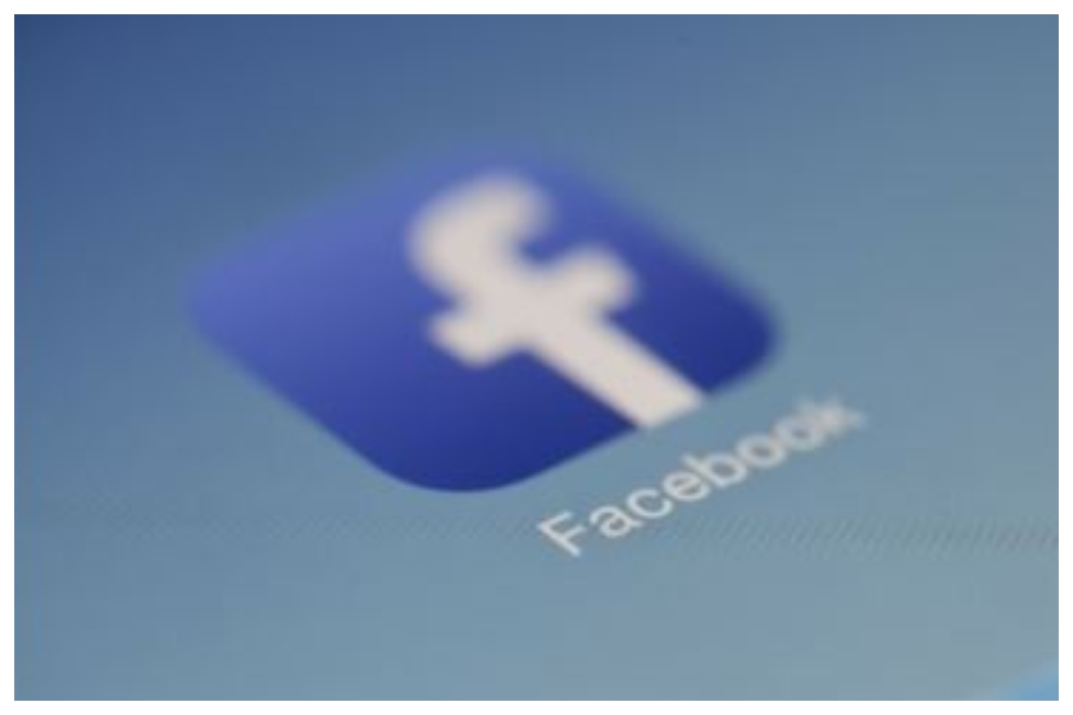 Facebook, Isolated parents
