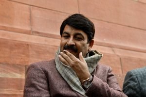 BJP MP Manoj Tiwari tests positive for COVID-19