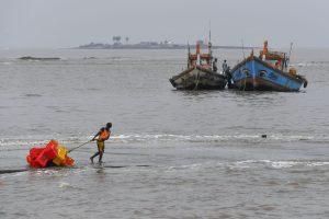 With 110kmph winds, cyclone Nisarga to hit Alibag near Mumbai at noon