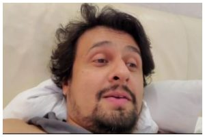 Sonu Nigam reveals falling prey to power play by a Bollywood actor