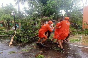 Cyclone Nisarga crosses Maharashtra's Raigad, 1 dead, Mumbai escapes the worst; no big impact in Gujarat