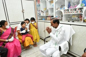 Telangana CM calls on Colonel Santosh Babu's kin; hands over Rs 5 crore cheques, job letter