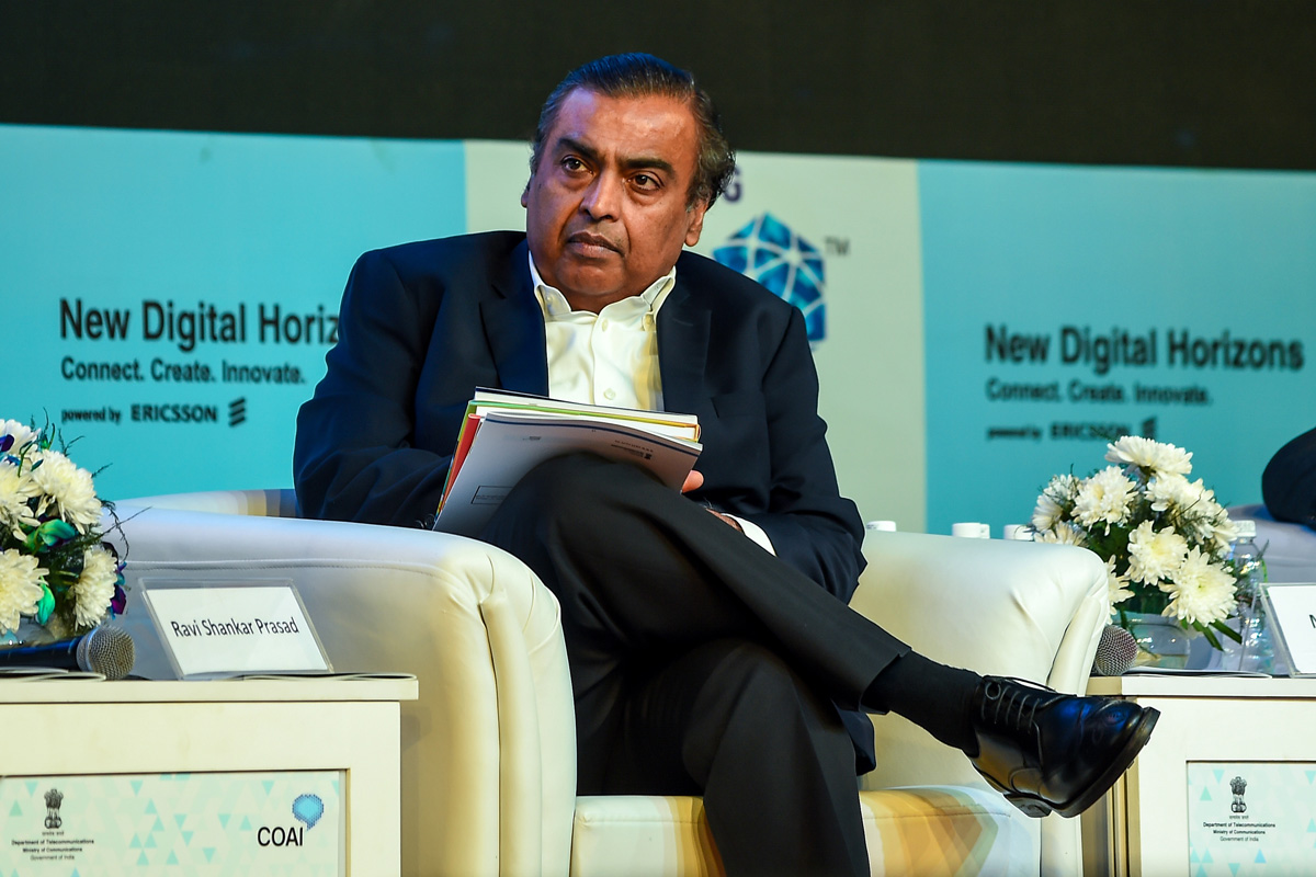 Mukesh Ambani, Reliance Industries, 2G Services, India 2G-mukt