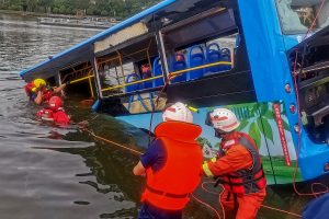 21 dead, 15 injured after bus falls into lake in China's Guizhou province; rescue operations continue