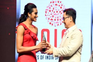 Kiren Rijiju leads wishes for PV Sindhu as badminton champ turns 25