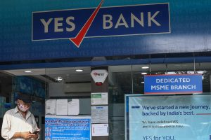 Yes Bank shares slip below FPO price at 9%