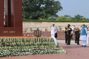 Defence Minister Rajnath Singh pays tribute to Kargil war heroes at National War Memorial