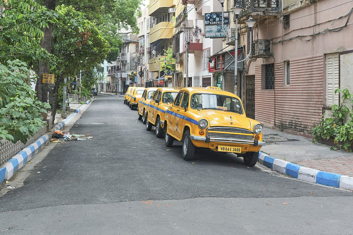 Bengal, Kolkata, containment zones, Howrah, North 24-Parganas