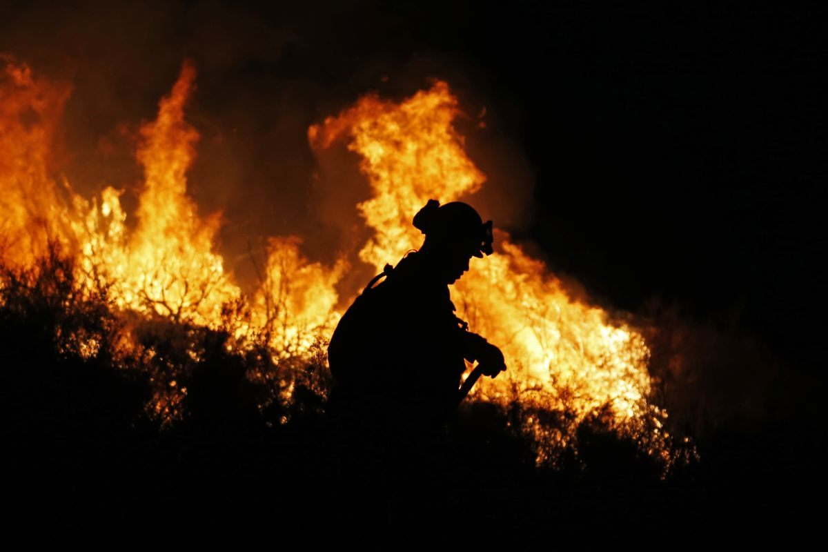 California firefighter dies battling wildfire sparked by gender reveal party