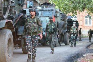 Policeman, 3 terrorists killed in Srinagar encounter