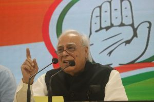 Govt did jugglery of data: Sibal