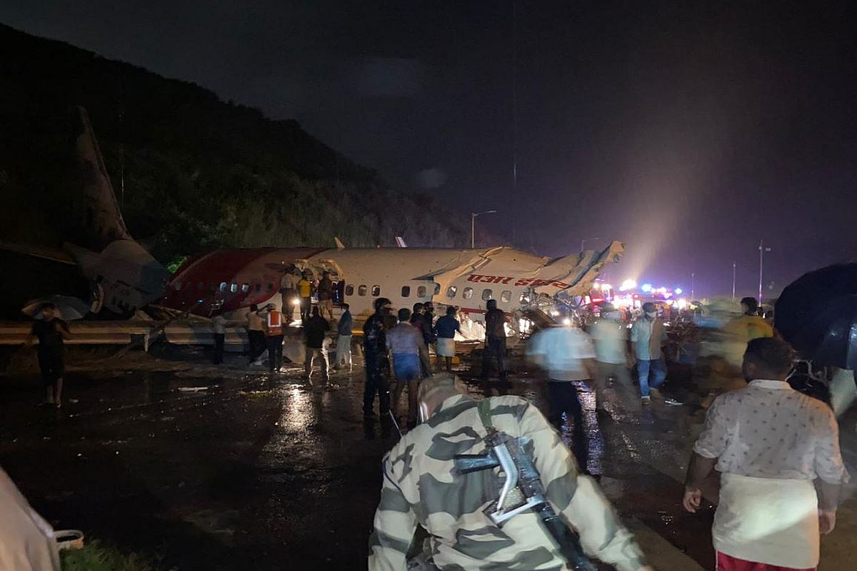 16 dead after plane overshoots runway, falls into valley in Kerala's Kozhikode; PM, Prez, others express grief