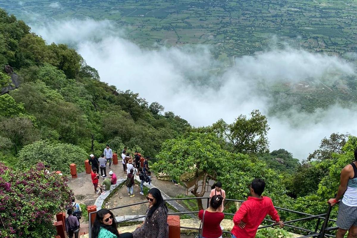 Tourists, Mount Abu