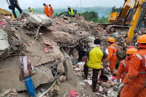 2 dead, 18 feared trapped after building collapses in Maharashtra; PM Modi, President express grief