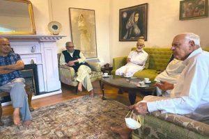 Farooq Abdullah meets senior NC leaders