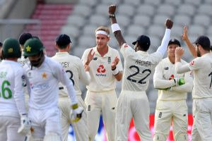 ENG vs PAK, 2nd Test: England bowlers all over on Day 1 before rain cuts short Pakistan's misery