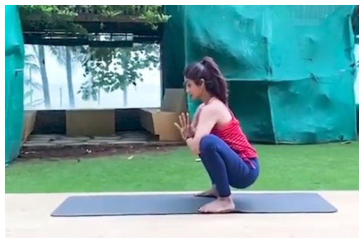 Shilpa Shetty, yoga, Eka Pada Malasana
