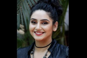 Kannada film actress flat searched in B'luru drugs case