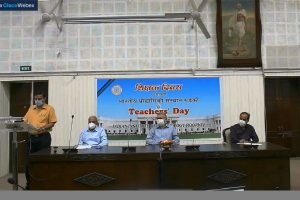 IIT Roorkee honours distinguished faculty members on Teachers' Day