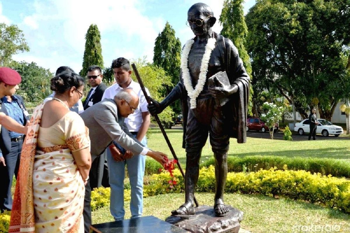 Hindi newspaper, Gandhi, Mauritius, Mahatma Gandhi, Hindusthani