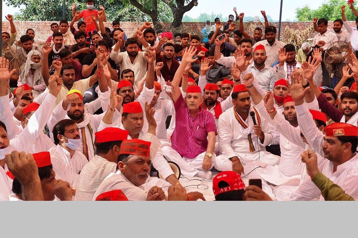 Samajwadi Party, panchayat, spurious liquor, Meerut, Congress