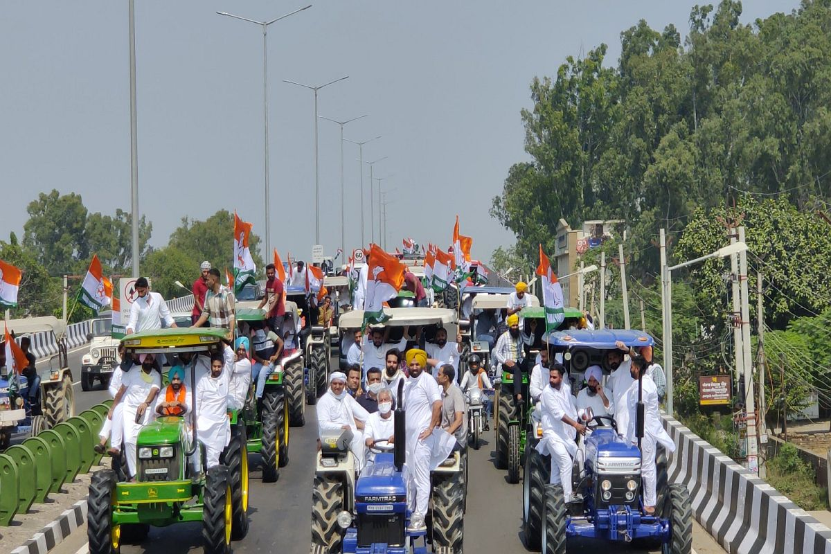 farmers, ambulances carrying patients, Farmers protest,