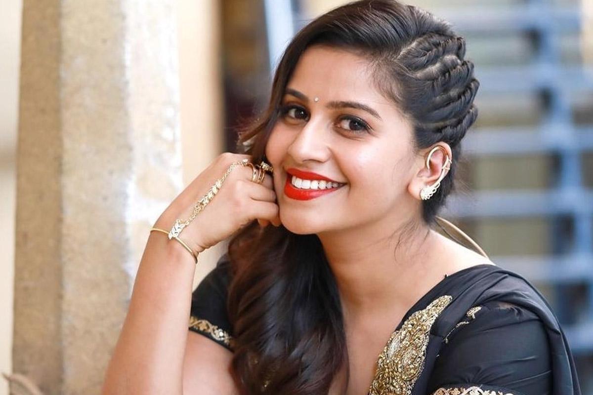 Kannada, TV anchor, Anushri