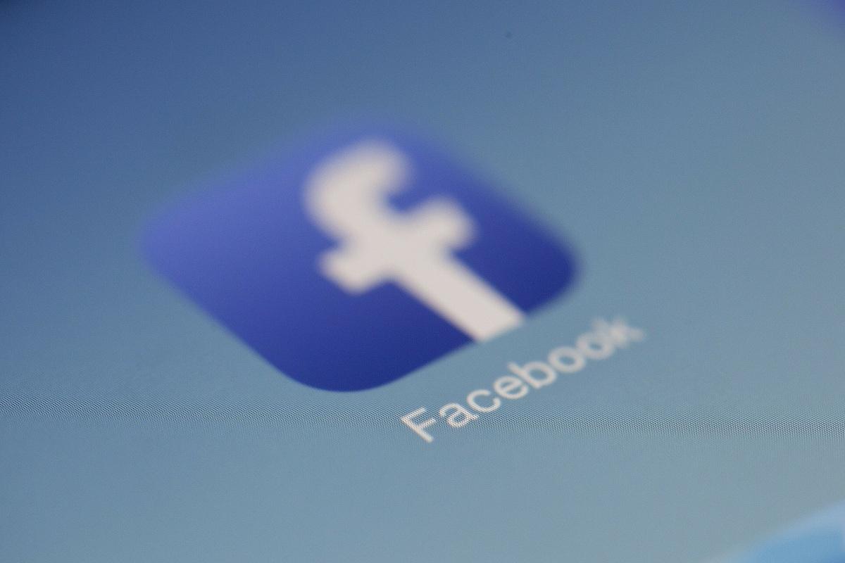 Facebook, fake networks, US, Myanmar